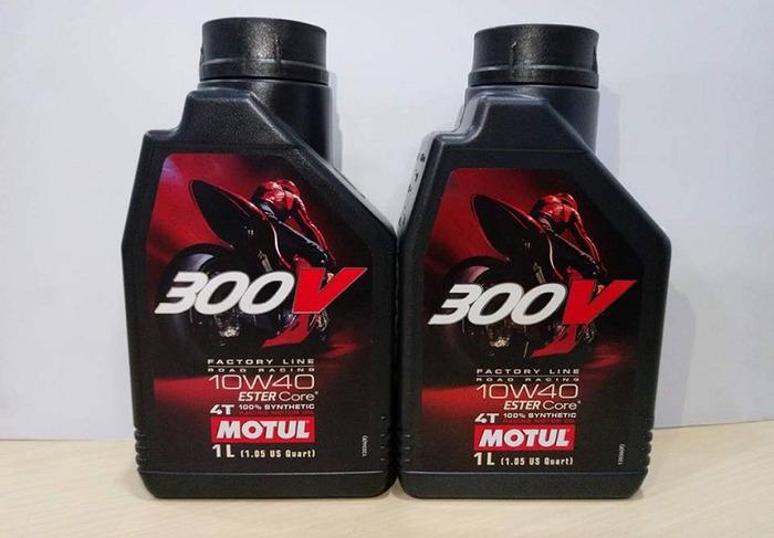 Motul 300V 10W40 chính là niềm tự hào của thương hiệu Motul