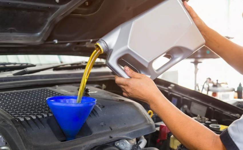 Dầu nhớt ô tô chỉ bôi trơn các bộ phận chuyển động trong động cơ