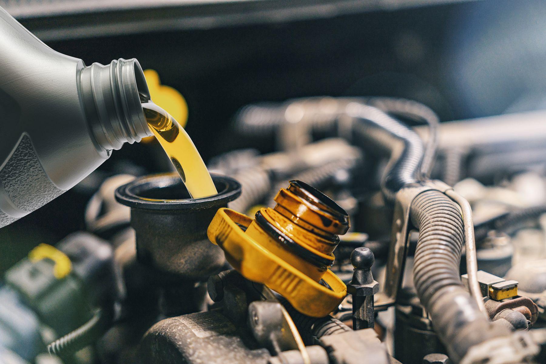 Dầu nhớt ô tô và dầu nhớt xe máy không giống nhau