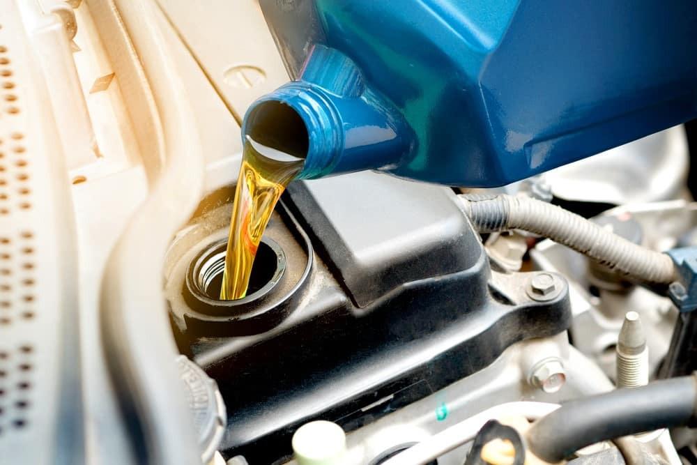 Nhớt xe ô tô không có nhiều đặc điểm tương thích với hoạt động của xe máy