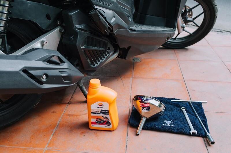 Thay dầu nhớt xe máy định kỳ giúp xe vận hành tốt nhất